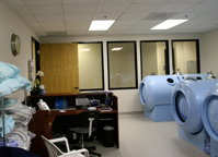 Hyperbaric treatment room